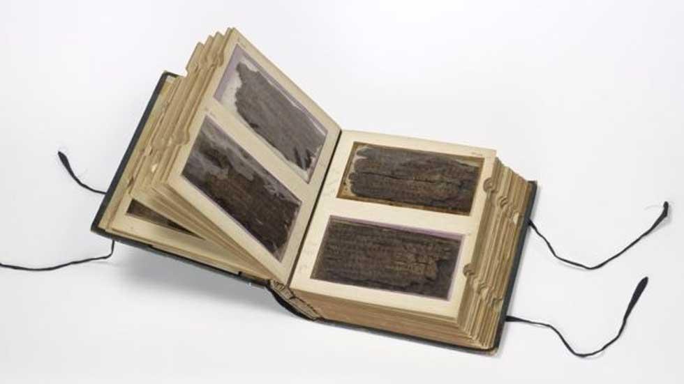El manuscrito de Bakhshali está formado por numerosas hojas de corteza de abedul con una antigüedad de casi 500 años. (Bibliotecas Bodleianas/ Universidad de Oxford)