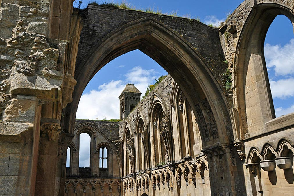 Ruinas de la iglesia de la abadía de Glastonbury, Somerset, Inglaterra. (CC BY-SA 3.0)