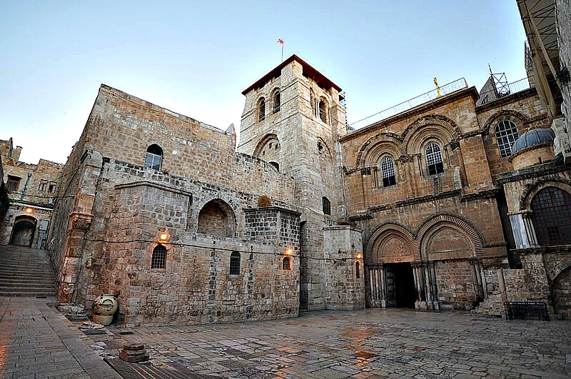Vista exterior de la Iglesia del Santo Sepulcro, mandada a construir en el año 325 por orden del emperador Constantino. (Jorge Láscar/CC BY-SA 2.0)