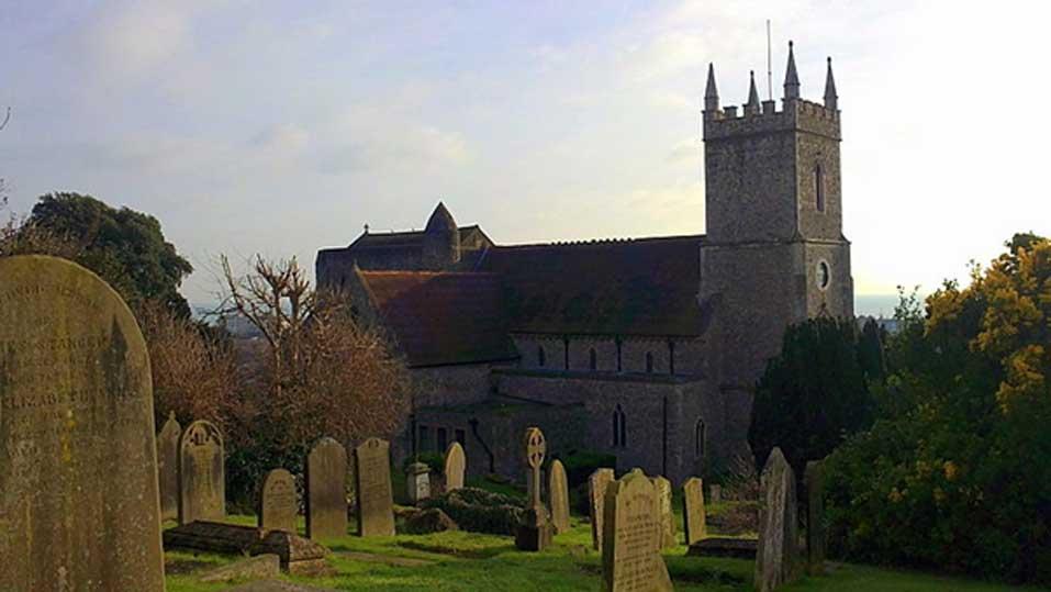 Iglesia de St Leonard, Hythe, Kent. (CC BY-SA 2.0)