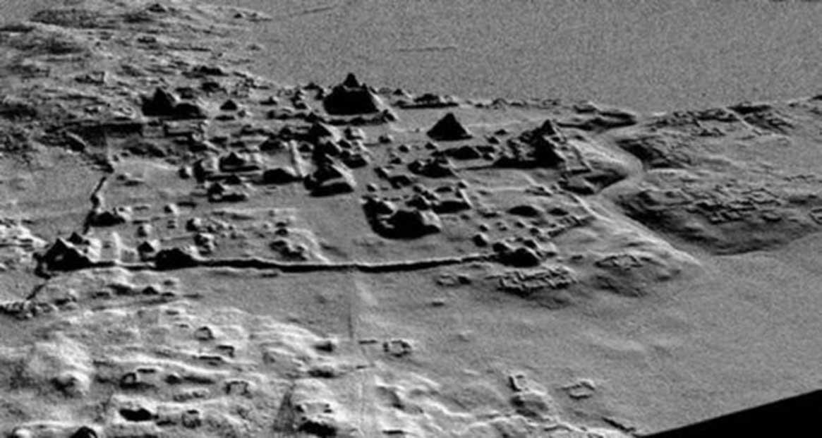 Un análisis anterior realizado con la tecnología LiDAR reveló la presencia de una red de caminos, canales, corrales, pirámides y terrazas en El Mirador. Crédito: Proyecto Arqueológico Cuenca Mirador.