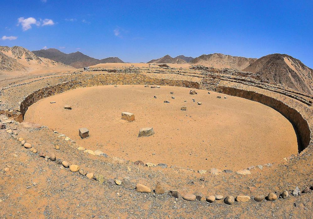 Restos-Monumento-Circular-Caral-Peru