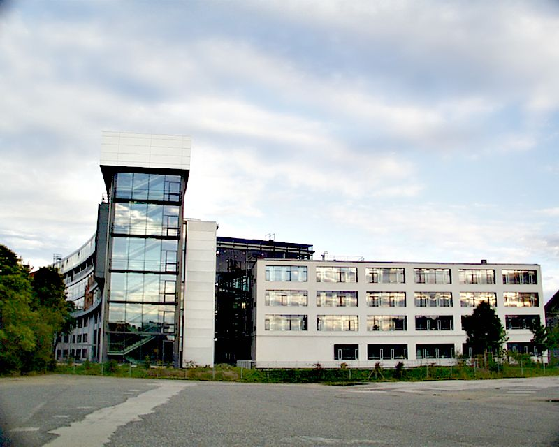 Sede del Instituto Max Planck de Leipzig, en Alermania, del que procede el equipo científico responsable del descubrimiento. (Wikimedia Commons)