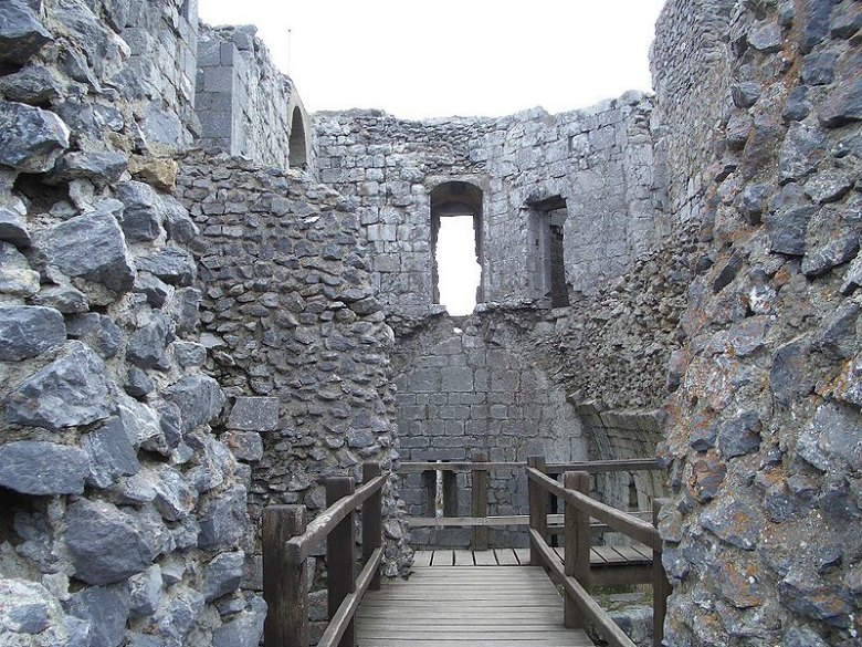 Aspecto actual del interior del Castillo de Montségur. (francesca sara/CC BY 2.0)