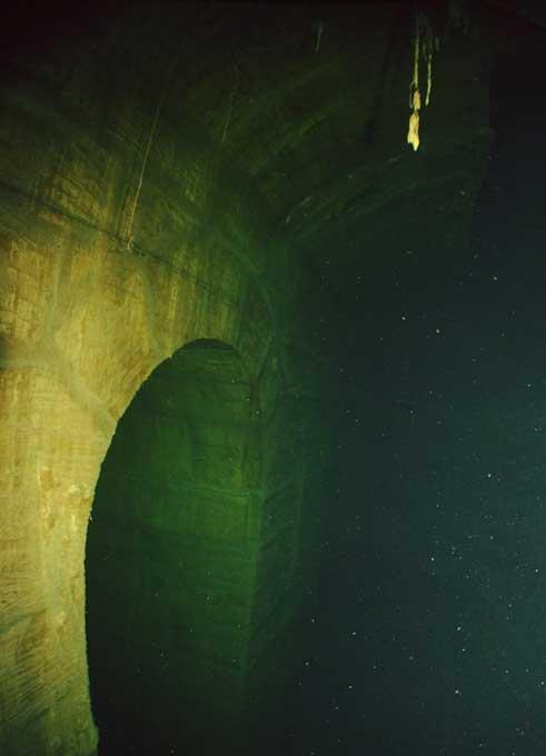 Interior de uno de los túneles existentes bajo la ciudad de La Valeta, capital de Malta. (Valletta Underground)