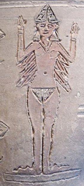 Figura desnuda de Ishtar incisa sobre la superficie de una pieza cerámica. Louvre/Wikimedia
