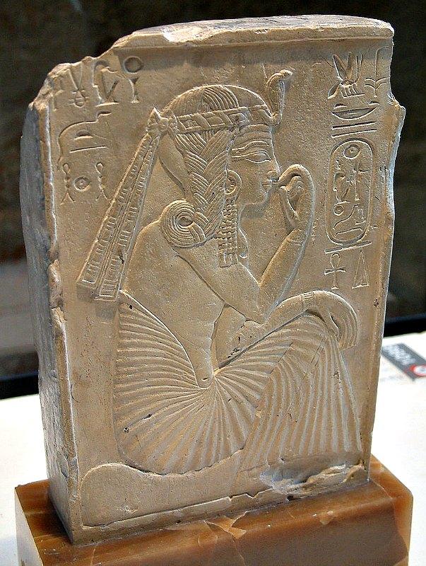 El joven faraón Ramsés II luciendo una trenza lateral. Museo del Louvre de París, Francia. (Guillaume Blanchard/CC BY-SA 1.0)