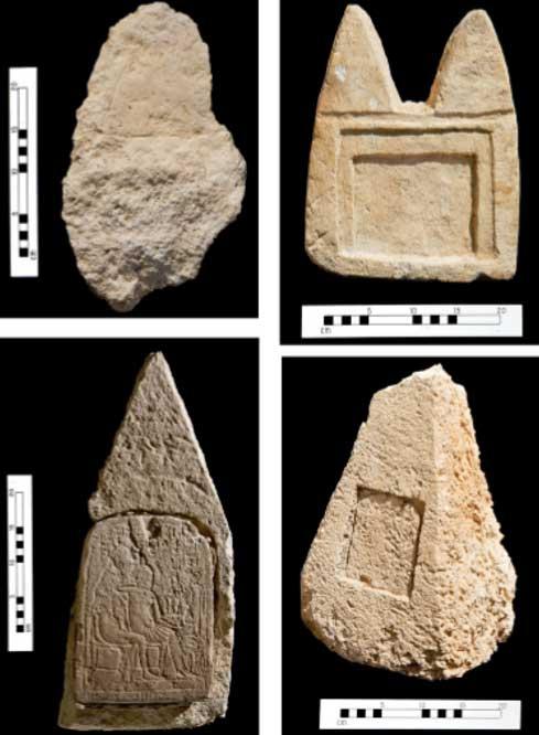 Algunas de las sencillas lápidas y estelas del cementerio de los plebeyos de Amarna; nótese la forma piramidal de las dos de abajo. (Fotos: Antiquity)