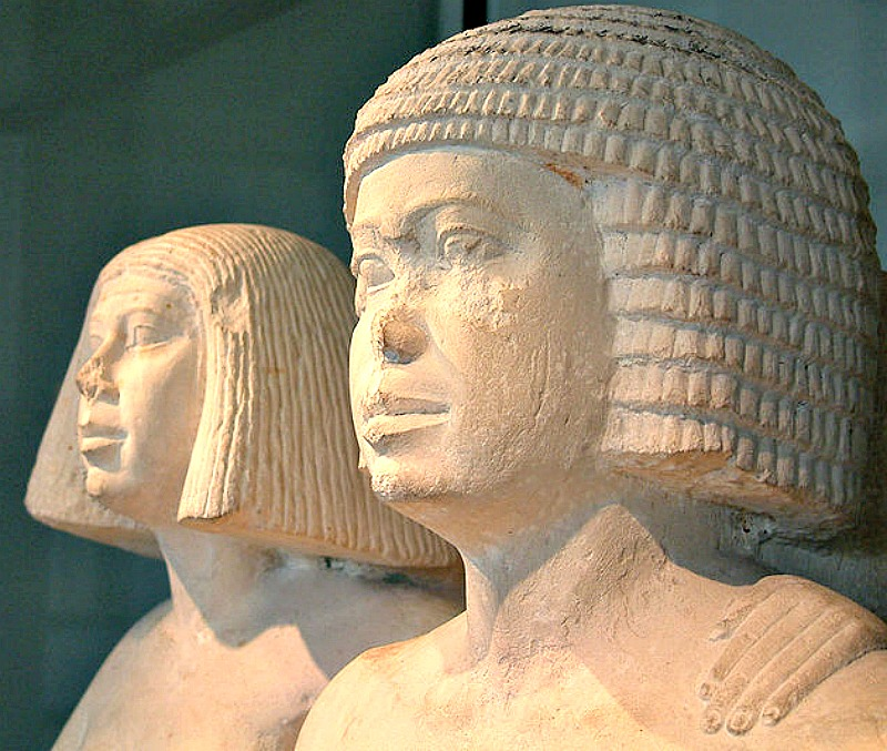 Los Esposos, IV o V dinastía. Museo del Louvre de París, Francia. (Guillaume Blanchard/GNU FREE)