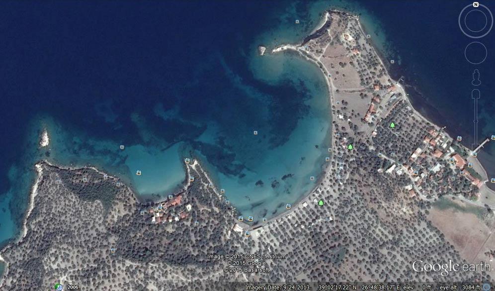 Imagen de Google Earth en la que se observa el entorno de las islas Arginusas, cercanas a la población turca de Bademli, a orillas del mar Egeo.