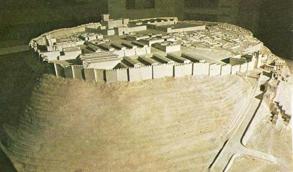 Maqueta del posible aspecto de Megido en el 1457 a. C. (fotografía de 1978). (Dominio público )