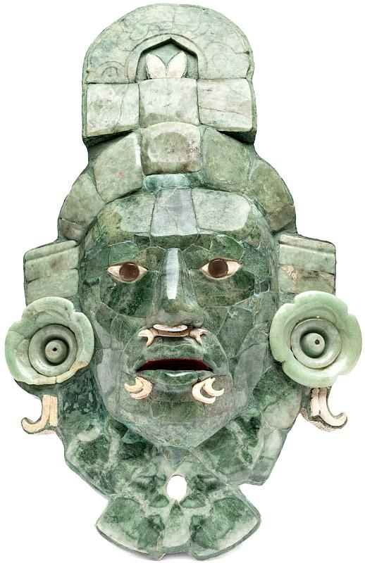 Elaborada en mosaico de jade, concha y obsidiana gris, la máscara es reconocida como la embajadora de Campeche ante el mundo. (Fotografía: INAH)