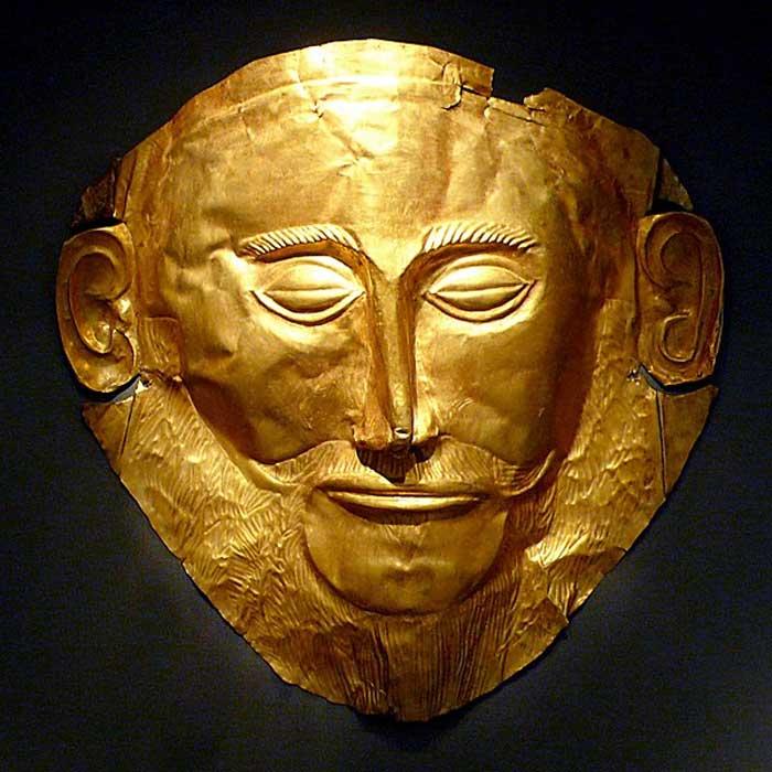 """Máscara funeraria de oro conocida como """"Máscara de Agamenón"""". (Xuan Che/CC BY 2.0). Agamenón fue una de las figuras más destacadas de la época micénica según Homero."""