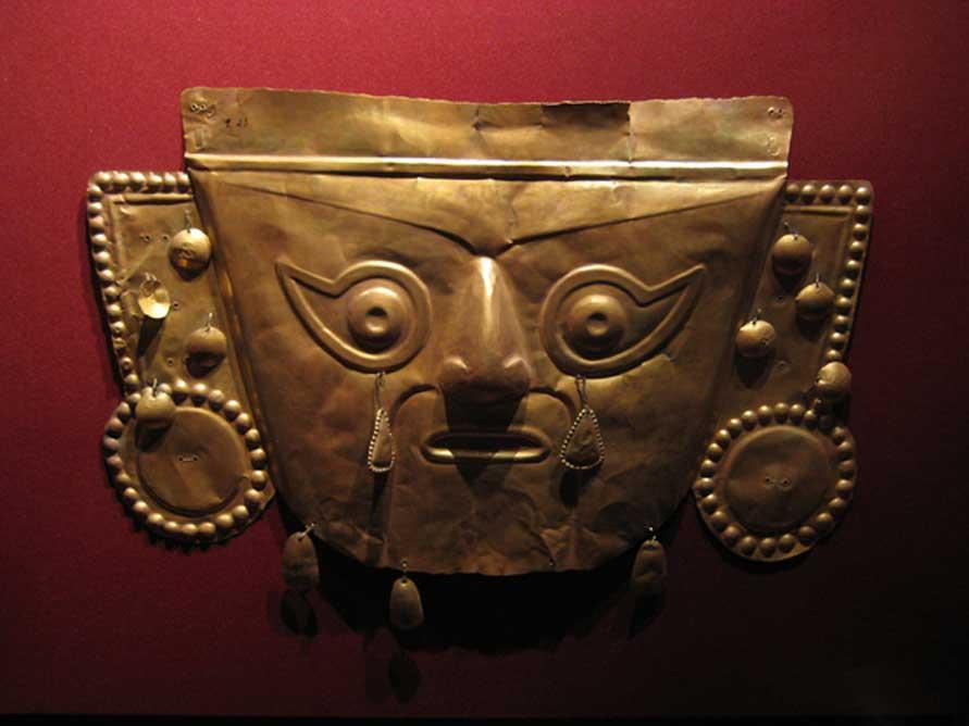 Ejemplo de una máscara inca de oro. (Guacamoliest/CC BY NC SA 2.0)