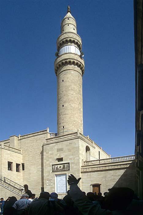 Minarete de la Mezquita del Profeta Jonás en Nínive, Mosul, año 1999. (CC BY SA 3.0)