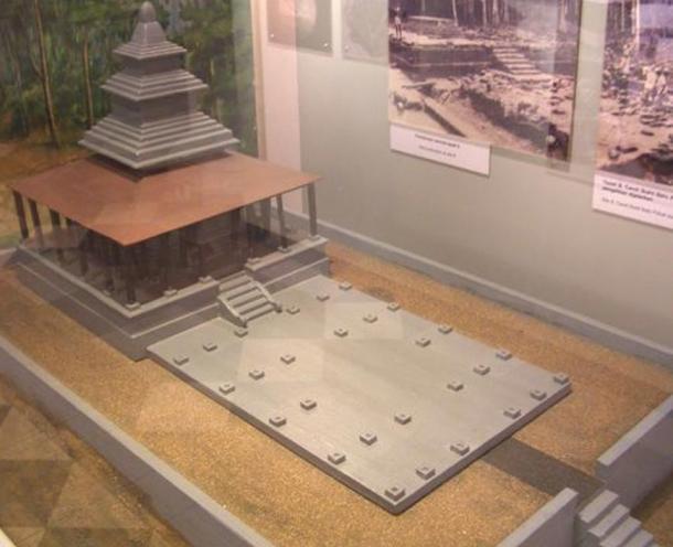 """Maqueta de antigua arquitectura Kedah, un santuario religioso llamado """"Candi"""". Public Domain"""