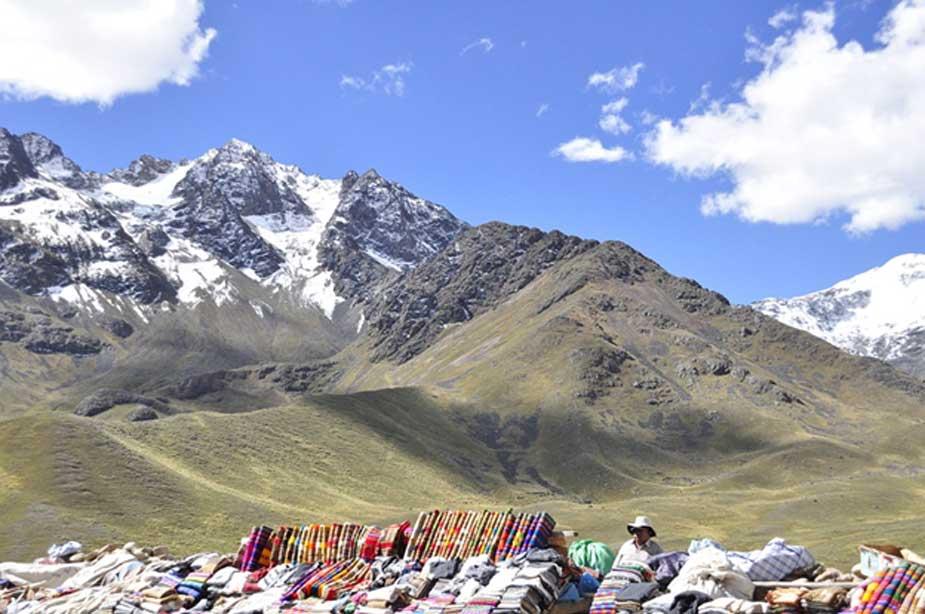Habitante actual del Altiplano Andino en un mercado (CC0)