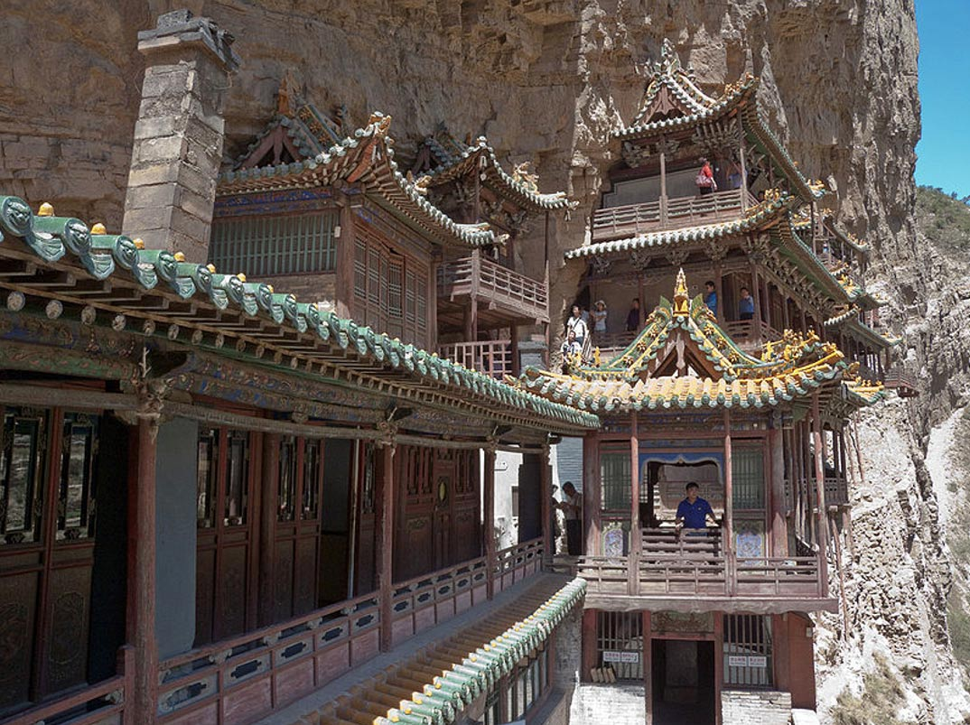El Monasterio Colgante del Monte Heng, China (Wikimedia Commons)
