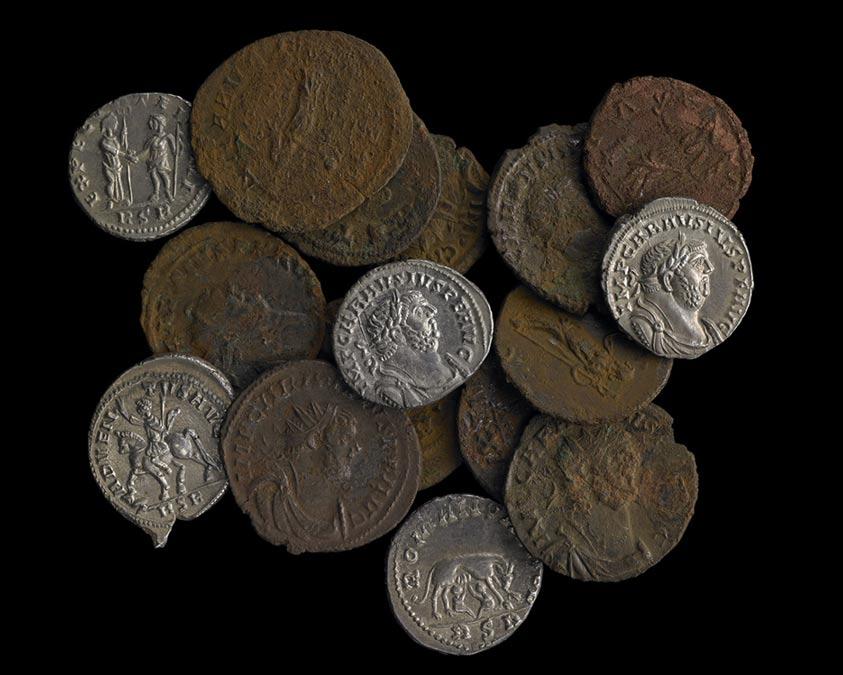 Monedas del tesoro de Frome: más de 52.000 monedas romanas expuestas junto con el Tesoro de Watlington en el Museo Británico. (Fotografía: Museo Británico)