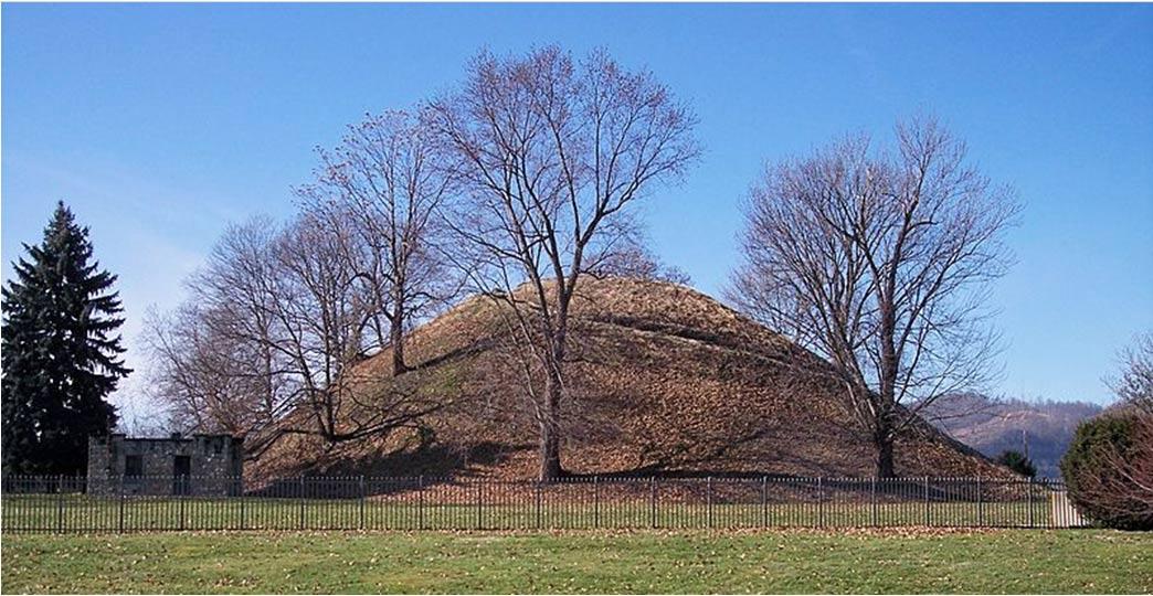 Montículo funerario de la cultura Adena.. Montículo de Grave Creek en Moundsville, Virginia Occidental