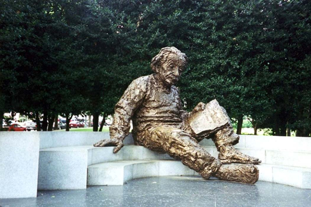 Monumento a Einstein, Academia Nacional de Ciencias, Washington, D.C. Wally Gobetz, CC BY-ND.