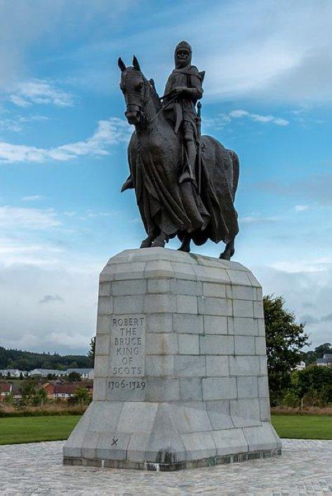 Estatua de Robert Bruce en el monumento conmemorativo de la batalla de Bannockburn, Bannockburn (Escocia). (CC BY-SA 3.0)