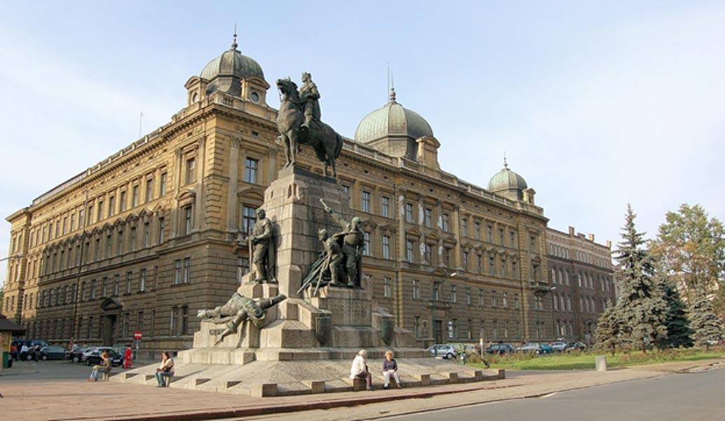 Monumento a la Batalla de Grunwald erigido en Cracovia con motivo del 500 aniversario de la batalla. Fue destruido por los alemanes durante la Segunda Guerra Mundial y reconstruido en el año 1976. (CC BY 2.0)