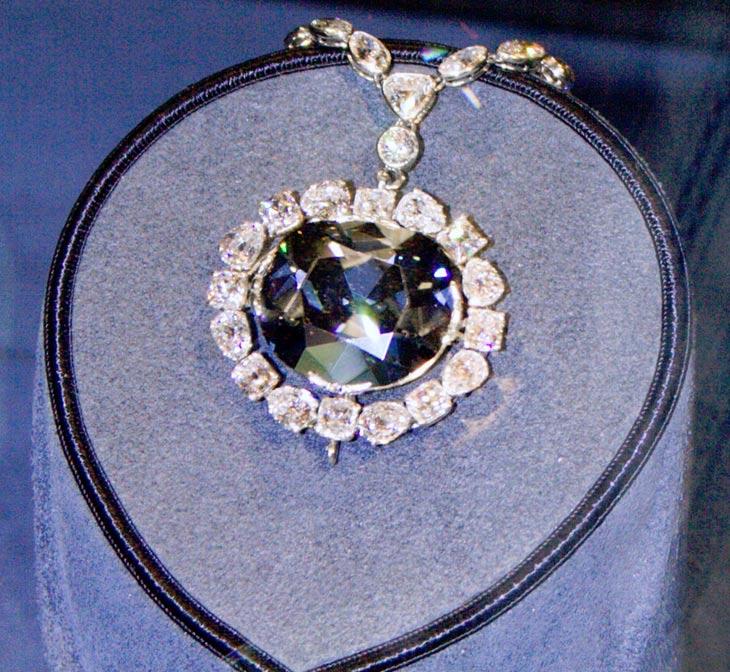 El diamante Hope expuesto en el Museo Nacional de Historia Natural de Washington D. C. (CC BY-SA 3.0)