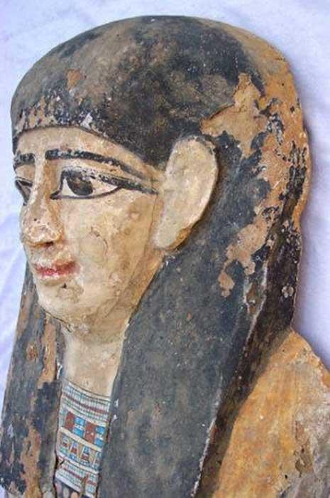 Antiguo objeto excavado ilegalmente que se intentó vender en eBay. (Egypt's Heritage Task Force)