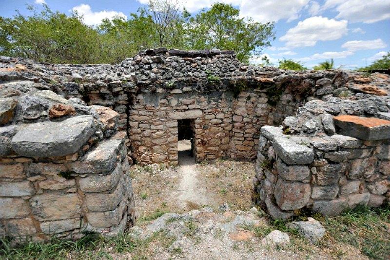 El observatorio astronómico de Acanceh ha sido datado en el Período Clásico Temprano (300-600 d. C.), por lo que se trataría de uno de los más antiguos observatorios mayas. (Fotografía: Notimex/Hugo Borges)