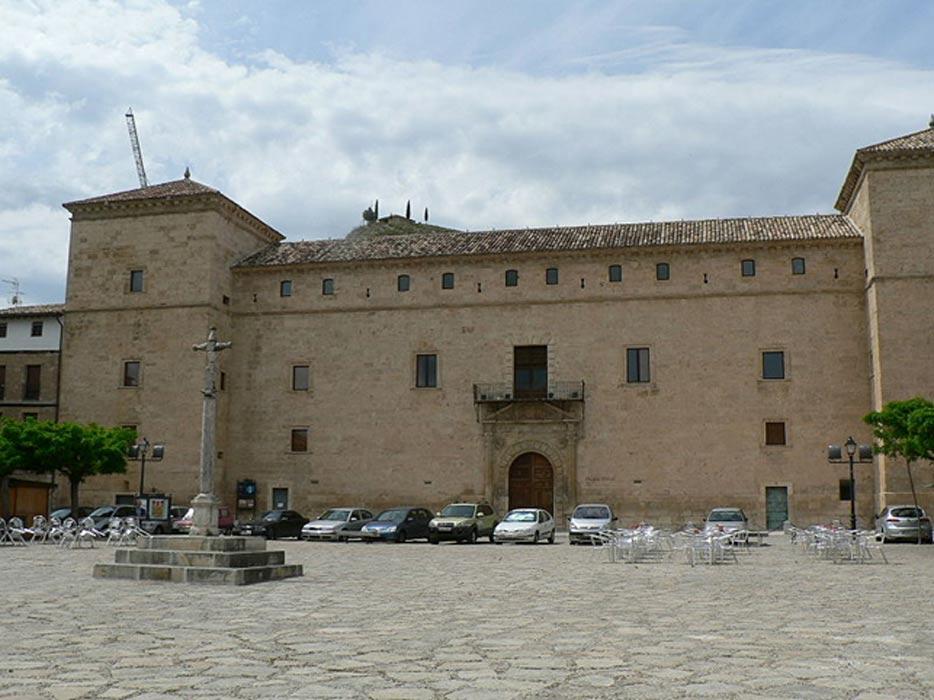 Palacio Ducal de Pastrana, donde Ana de Mendoza fue confinada bajo arresto domiciliario. (CC BY SA 2.5)