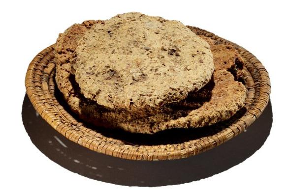 Pan del antiguo Egipto que aún conserva las huellas dactilares del panadero que lo amasó (abroad in the yard)