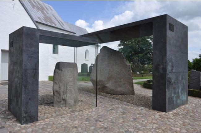 El yacimiento arqueológico de las piedras rúnicas de Jelling, Dinamarca. (CC BY SA 3.0)