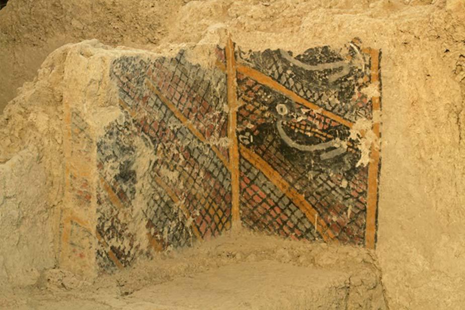 La pintura mural del ciervo atrapado en la red antes del incendio. (Proyecto Arqueológico Cerro Ventarrón)