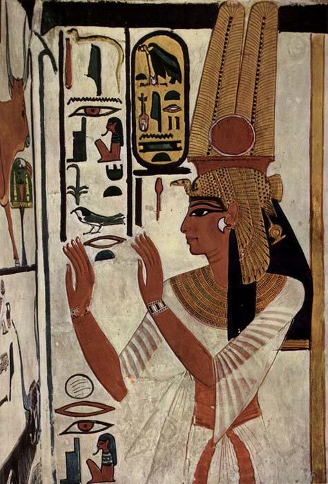 Pintura mural de una tumba en la que la reina Nefertari aparece representada como esposa real del faraón Ramsés II. (Public Domain)