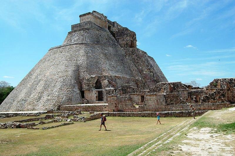 Pirámide del Adivino en Uxmal, México. (tato grasso/CC BY-SA 2.5)