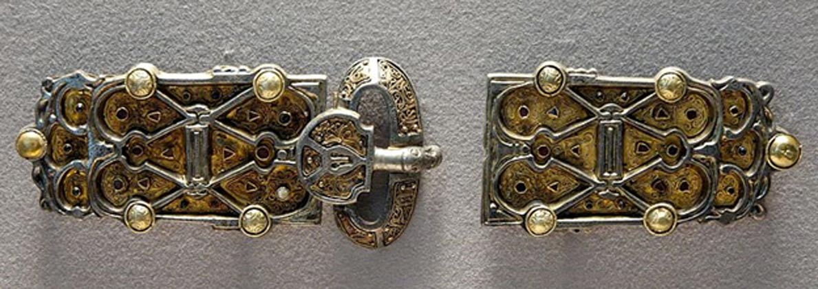 Placas del magnífico cinturón de la reina Aregunda o Arnegunda. (Public Domain)