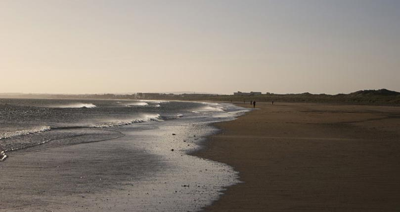 Playa de Bettystown, Condado de Meath. (Bananenfalter/Public Domain)