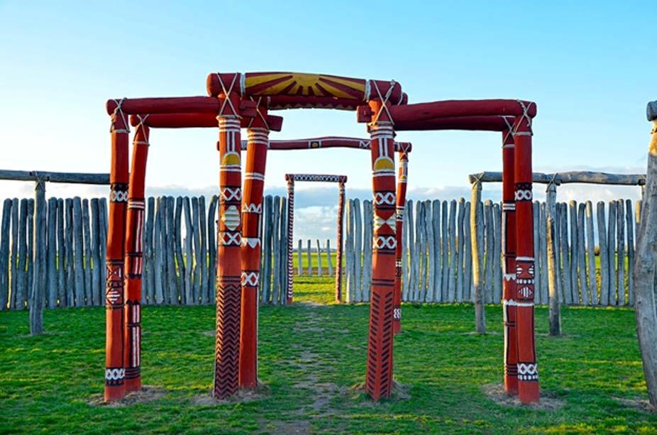 El círculo de postes de madera de Pömmelte (Alemania) tiene cuatro entradas que se corresponden con los días que hay a mitad de camino entre los equinoccios y los solsticios. (CC0)