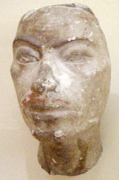 Retrato de estudio, posiblemente de Ay, hallado en el estudio del escultor Tutmose. (CC BY SA 3.0)