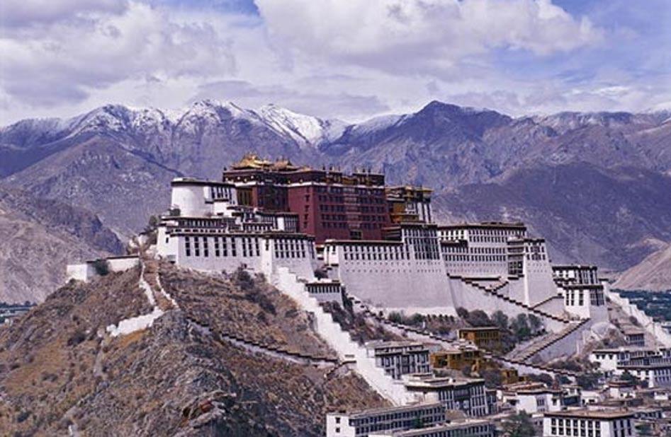 El Palacio de Potala, residencia del Dalai Lama hasta 1959 (Imagen original)
