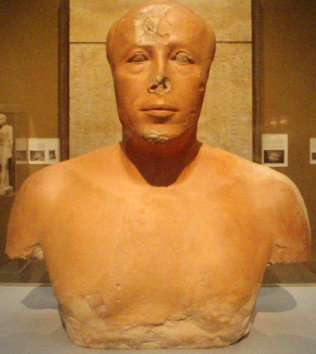 Busto del príncipe Ankhhaef, medio hermano y visir de Khufu. (Keith Schengili-Roberts/CC BY SA 2.5)