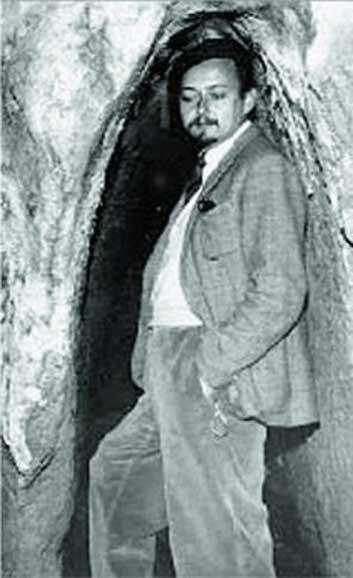 Retrato del príncipe Boris de Rachewiltz, uno de los traductores del Papiro Tulli. (From an Oblique Angle)