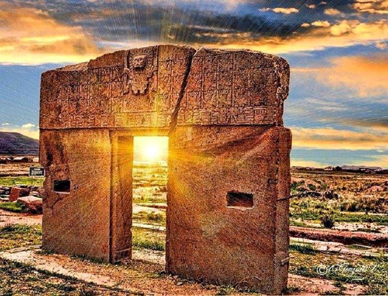 La Puerta del Sol de Tiahuanaco. (Fotografía: Código Oculto)