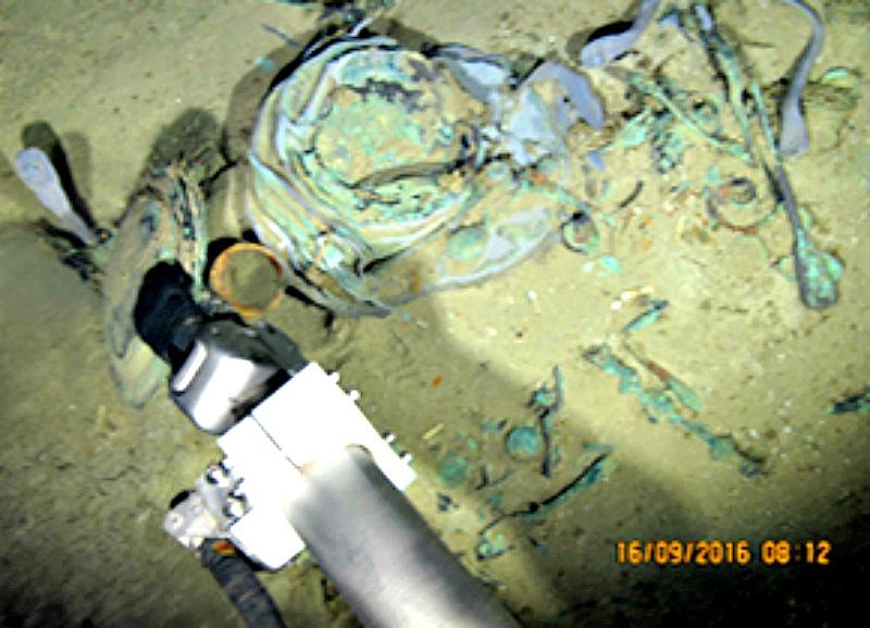 Imagen de las labores de recuperación de objetos de la fragata española hundida Nuestra Señora de Las Mercedes. (Fotografía: El Mundo)