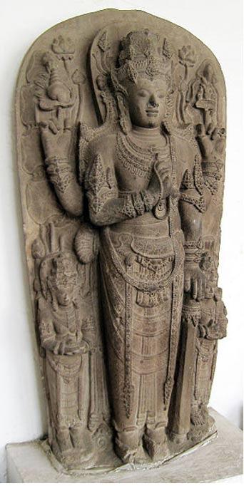 Retrato deificado de Raden Wijaya como Harihara (dios mitad Shiva, mitad Krishna). Yakarta, Indonesia. (Wikimedia Commons)