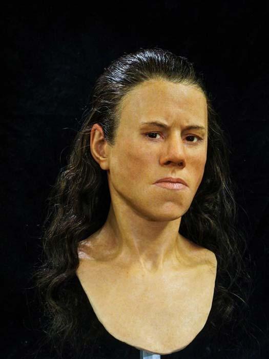 El rostro reconstruido de la joven presenta pómulos prominentes, cejas espesas y un hoyuelo en la barbilla. (Imagen: Oscar Nilsson)