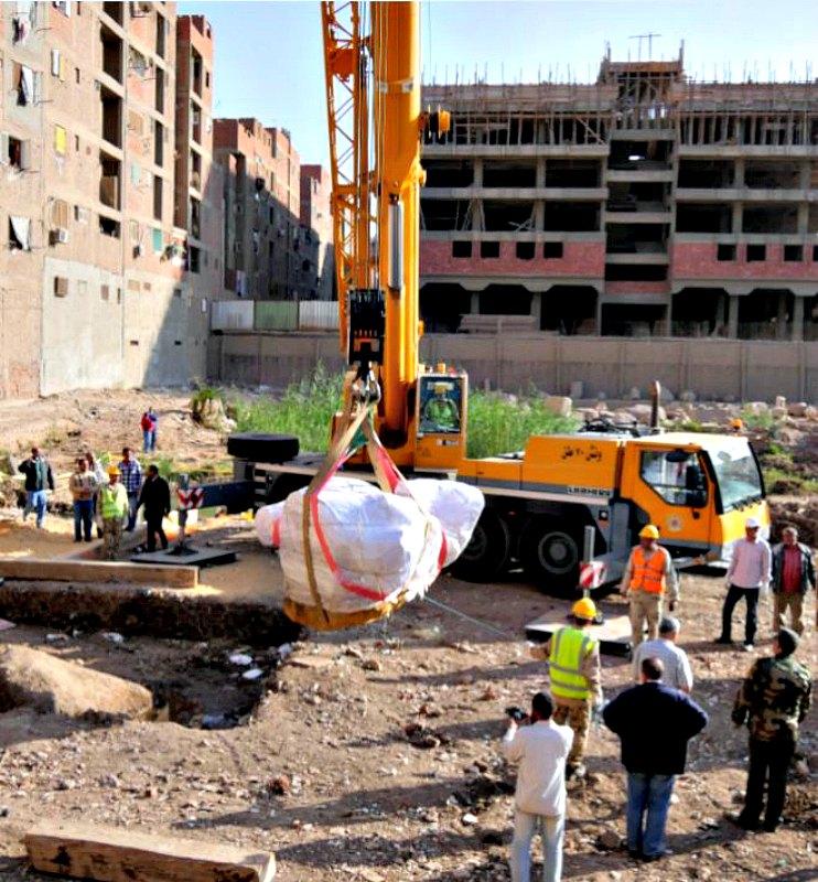 El rescate de las colosales piezas escultóricas no fue cosa sencilla. (Fotografía: Francisco Carrión/El Mundo).