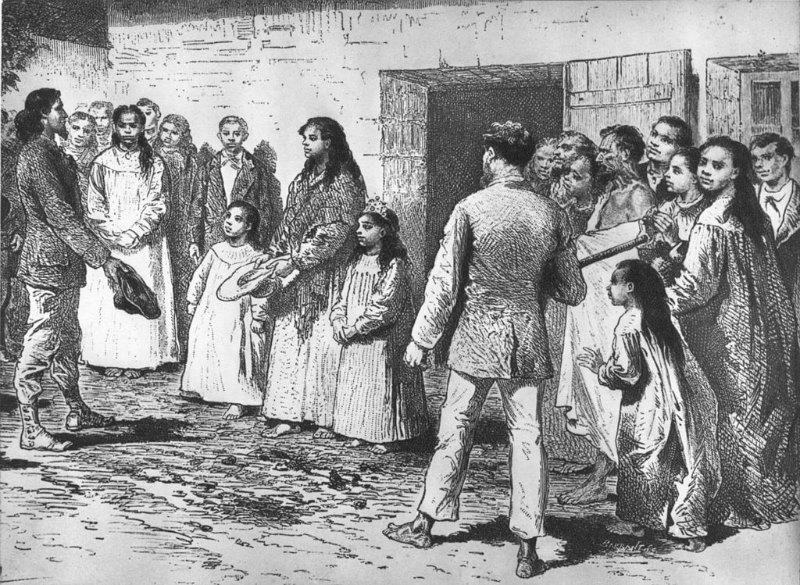 Durante el siglo XIX, la esclavitud y las enfermedades europeas diezmaron la población, hasta el punto que en 1877 sólo quedaban 110 habitantes en la isla. En la imagen, el explorador francés Alphonse Pinart es presentado a la reina de la isla de Pascua en el año 1877. Dibujo de Emile Bayard (1837-1891). (Public Domain)