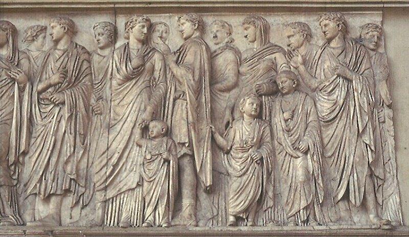 Procesión que decora la cara sur del Ara Pacis romano original. Museo del Ara Pacis. Roma, Italia. (Public Domain)